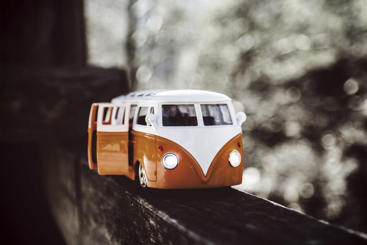 An old Volkswagen van represent the Half Hermit