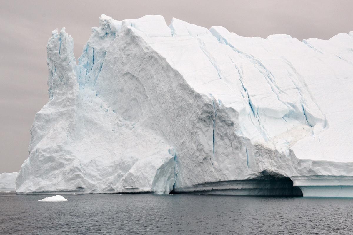 Un iceberg nella laguna di Disco Bay in Groenlandia.