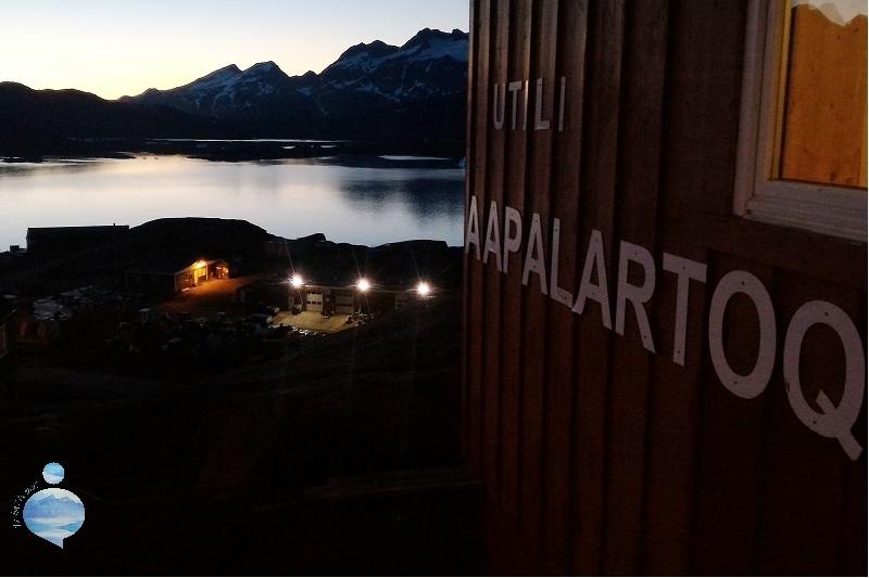 La Casa Rossa di Robert Peroni che affaccia sul fiordo di Tasiilaq, sulla costa orientale della Groenlandia.